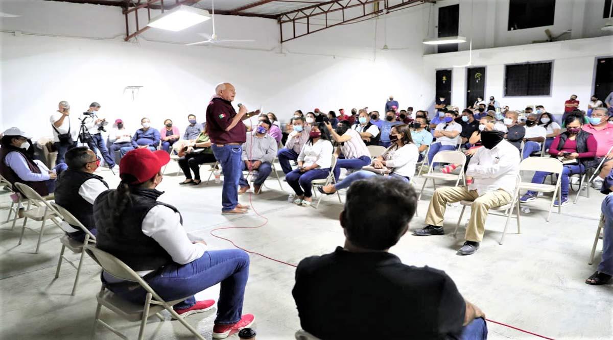 Propone Víctor Castro programa de regularización de plazas para maestros