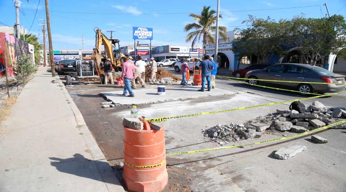 Realizan trabajos en la calle Ejido en CSL; recomiendan precaución al circular