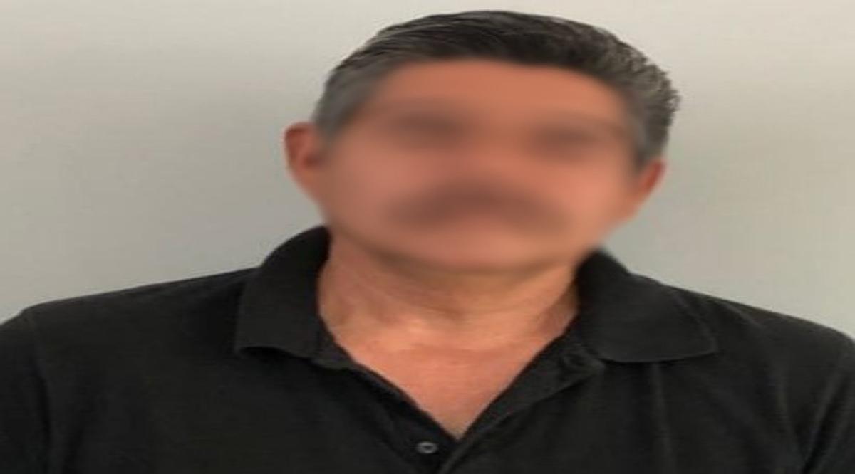 Detienen a sujeto en Pichilingue con más de 600 mil pesos en dos maletas
