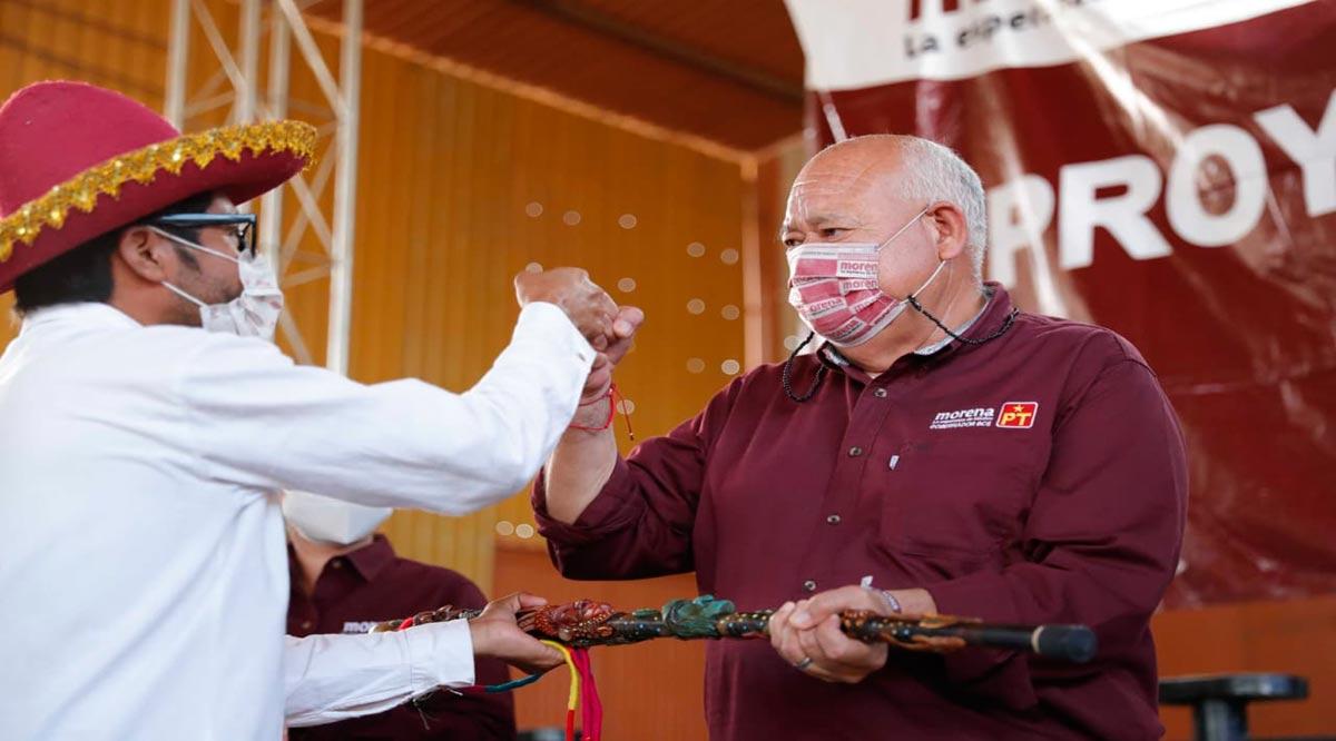 Recibió Víctor Castro el bastón de mando de comunidades indígenas en BCS
