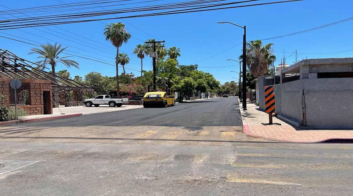 Realizan trabajos de reencarpetado en calles de Loreto