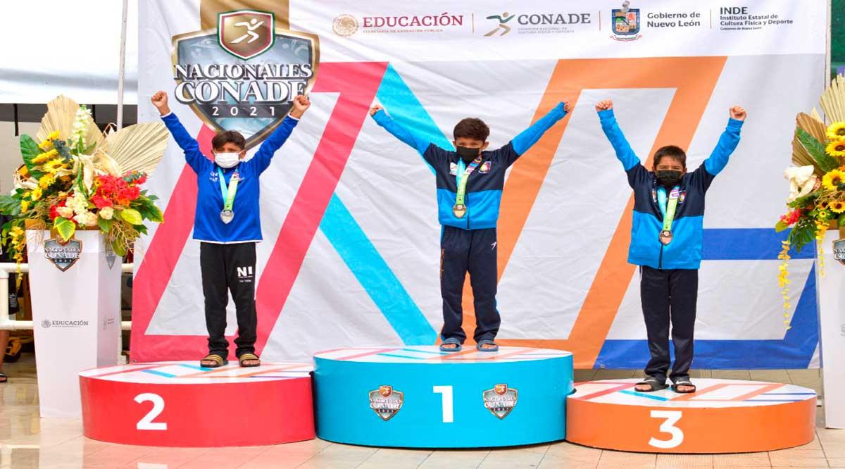 Suman clavadistas infantiles de BCS 4 medallas más