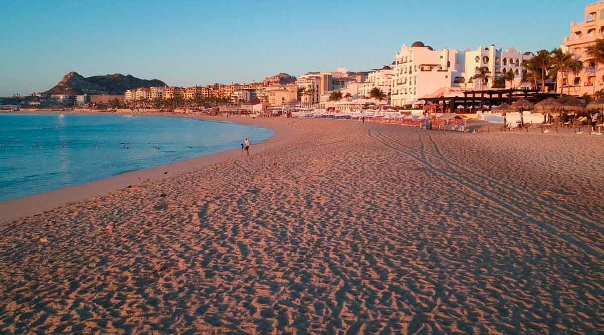 Mantiene Los Cabos sus playas abiertas con aforo al 30%