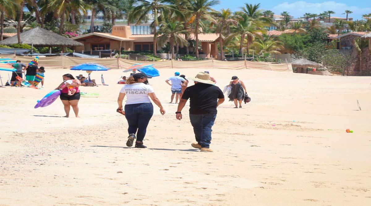 Supervisan medidas sanitarias de vendedores ambulantes en playas de CSL
