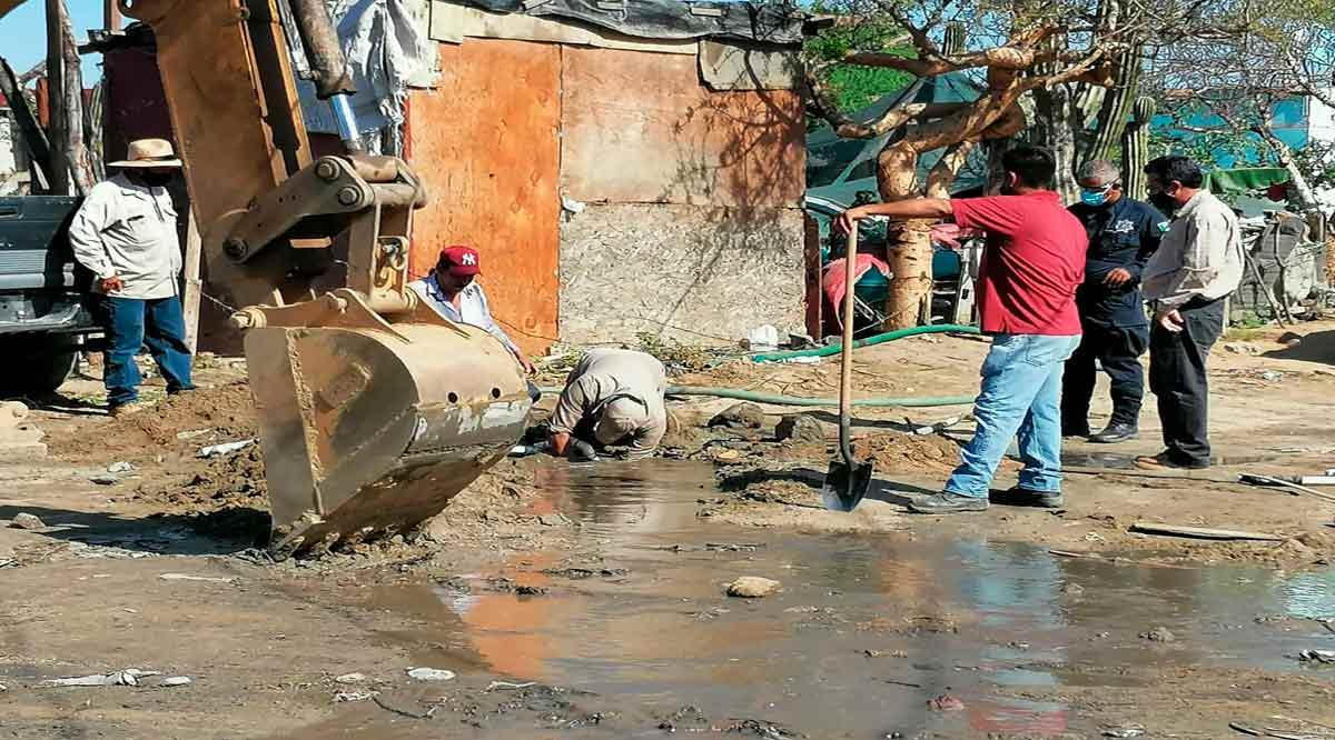 Detectan 4 tomas clandestinas en un tramo de 100 metros del acueducto en Los Cabos