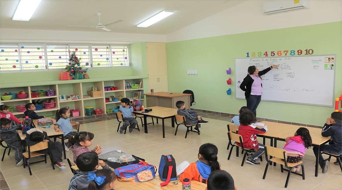 No habrá en BCS maestro distinto para clases presenciales y a distancia: SEP