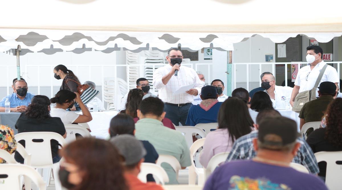 Aceptan burócratas de La Paz propuesta para el orden de pago por parte del Ayuntamiento