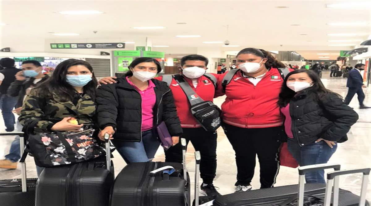 Salió Rosa Carolina Castro rumbo a Japón
