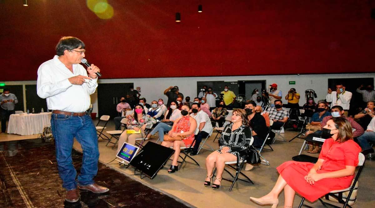 """""""Se trabajará con estricto apego a la ley para que Los Cabos sea un municipio ordenado"""": Oscar Leggs"""