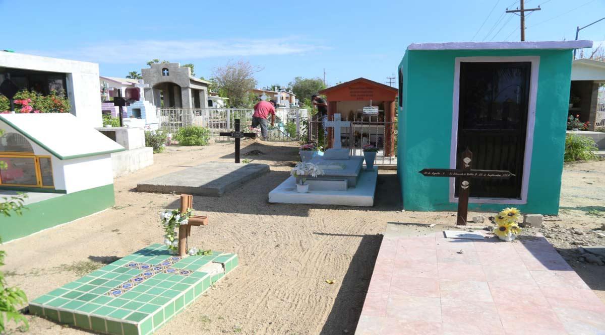 Con aforo al 50% están abiertos 11 panteones en Los Cabos