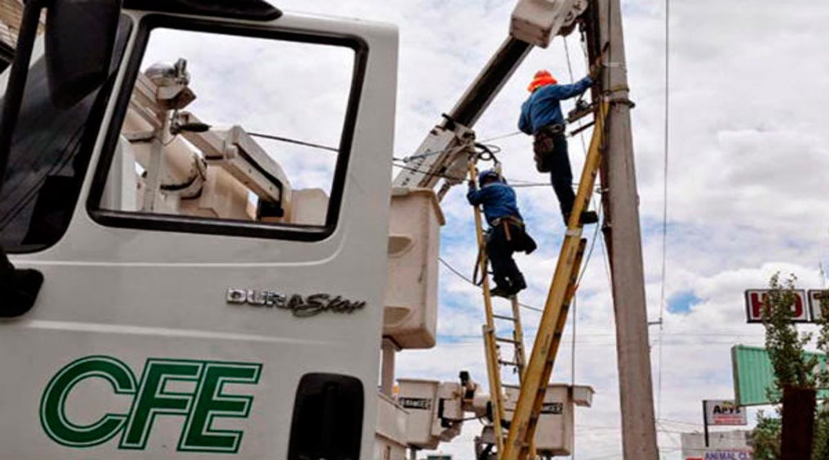"""Dejó el huracán """"Olaf"""" sin luz a 57% de los usuarios en BCS; han recuperado al 24%"""