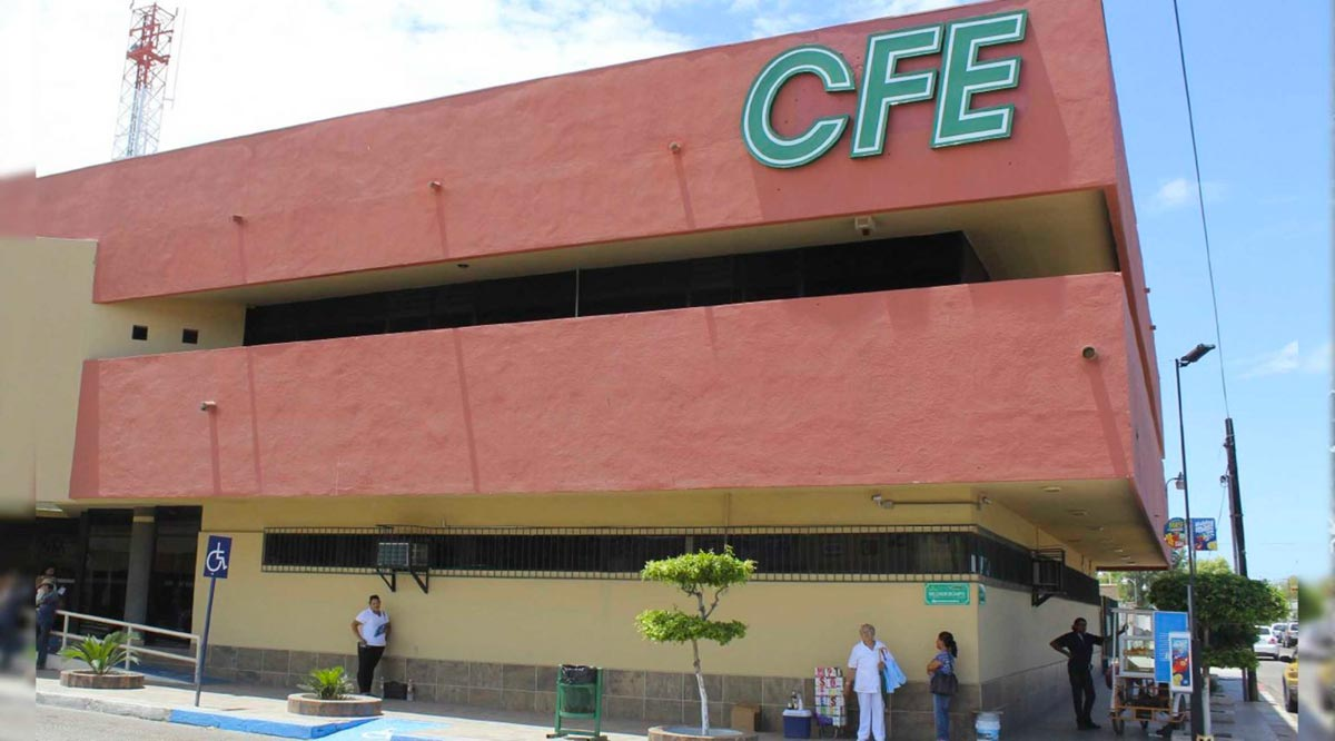 "Desplegó la CFE 526 trabajadores a BCS para atender posibles afectaciones por ""Olaf"""