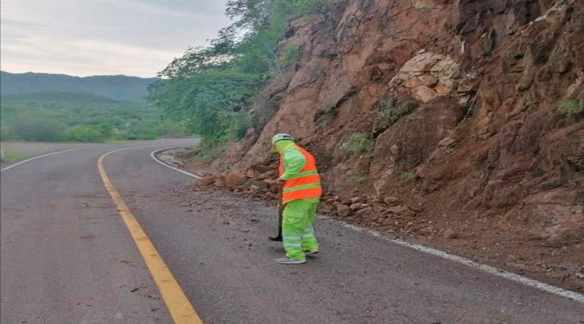 """Afectaciones menores e interrupciones por """"Olaf"""" en tramo carretero La Paz-Los Cabos"""