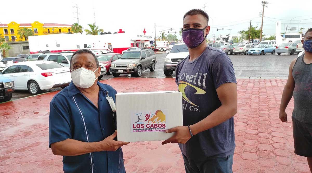 """Apoyan con despensas a afectados por el huracán """"Olaf"""" en CSL"""
