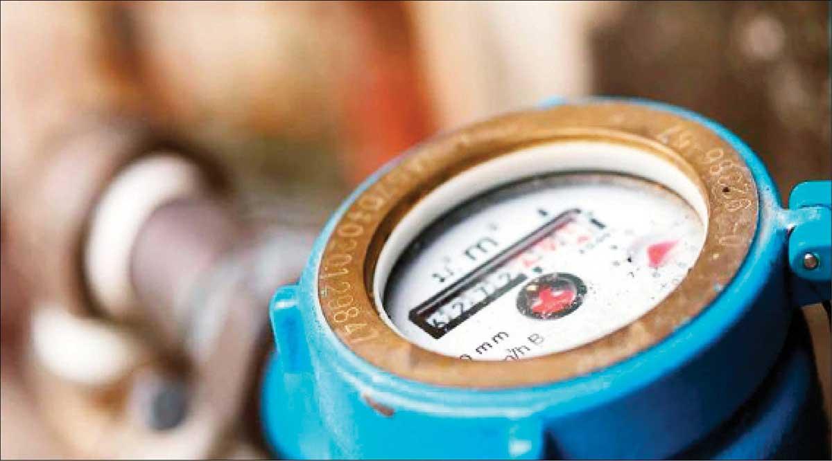 Instalación de micromedidores arrojó consumos de agua por encima de lo que se facturaba en zona rural de La Paz