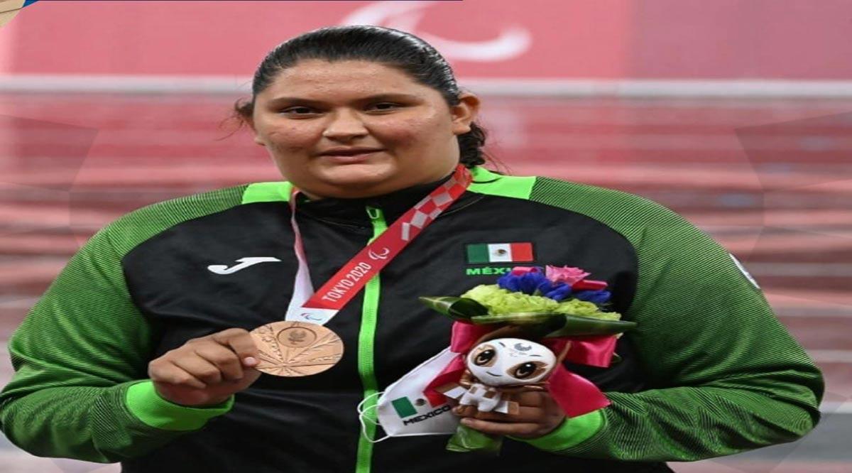Consigue histórica medalla Rosa Carolina Castro