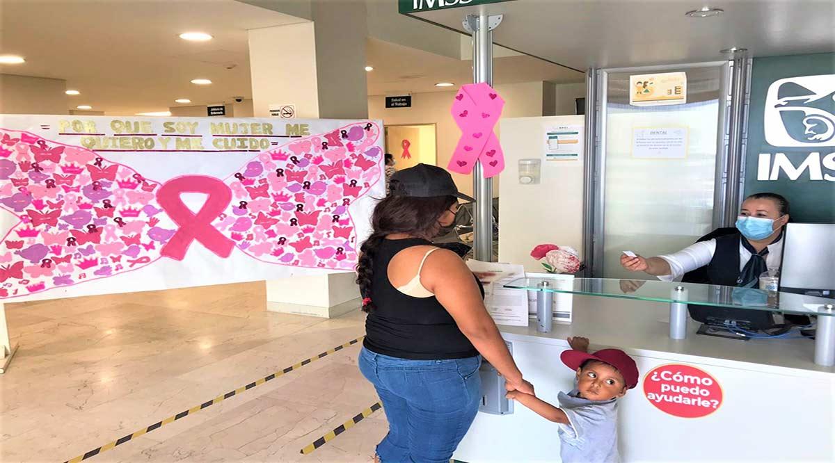 Realizan Feria de Salud por la Mujer en la UMF 39 de CSL