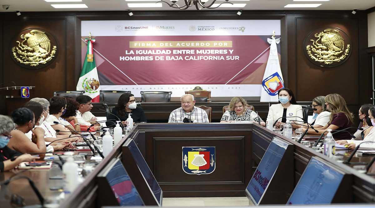 Firman Acuerdo por la Igualdad entre Mujeres y Hombres el gobierno de BCS e Inmujeres