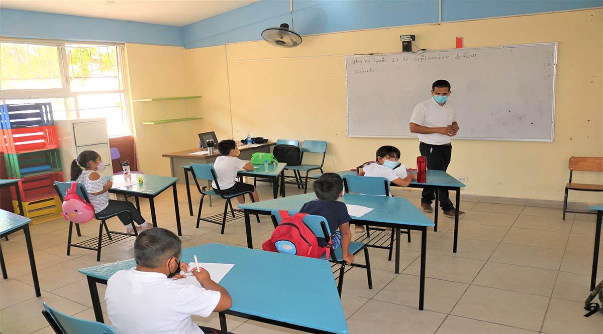 Gestiona gobierno de BCS las 1,500 plazas docentes que hacen falta