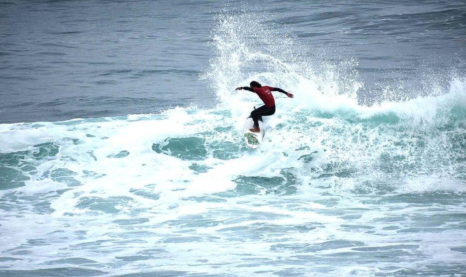 Viajan surfista de BCS al Nacional en Oaxaca